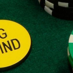 Что такое блайнды в покерной партии?